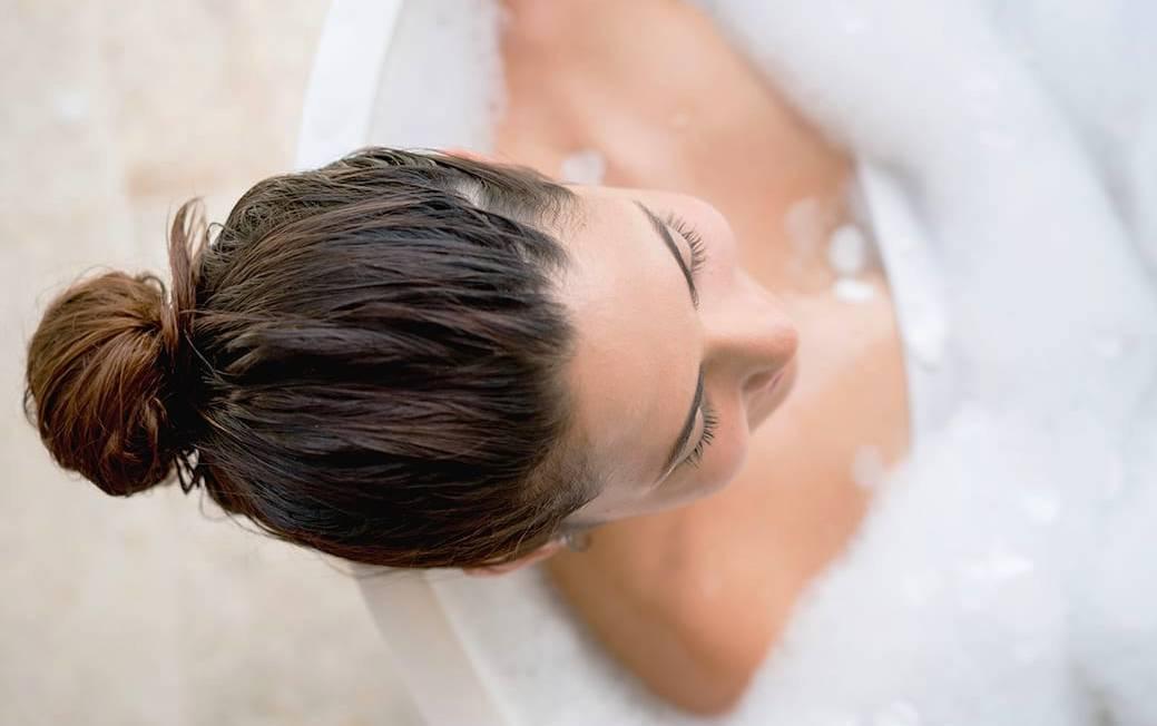 Шампоани за къдрави коси на жени