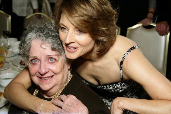 Като две капки вода - Джуди Фостър с майка си